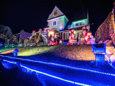 Houston Christmas Lights Tours, Limo, Limousine, Sedan, Van, SUV, Party Bus, Shuttle, Charter, Spirit, Holiday, Trail of Lights, Santa, Dallas, December Nights