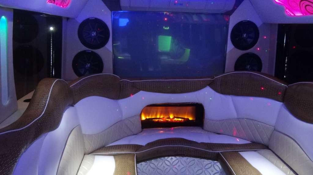 Houston Limo Bus Rates, Party, Birthday, Bachelor, Bachelorette, Wedding, Music Venue, Tailgating, Brewery Tour, Wine Tasting, Bar Crawl, Club, Transportation, Shuttle, Charter